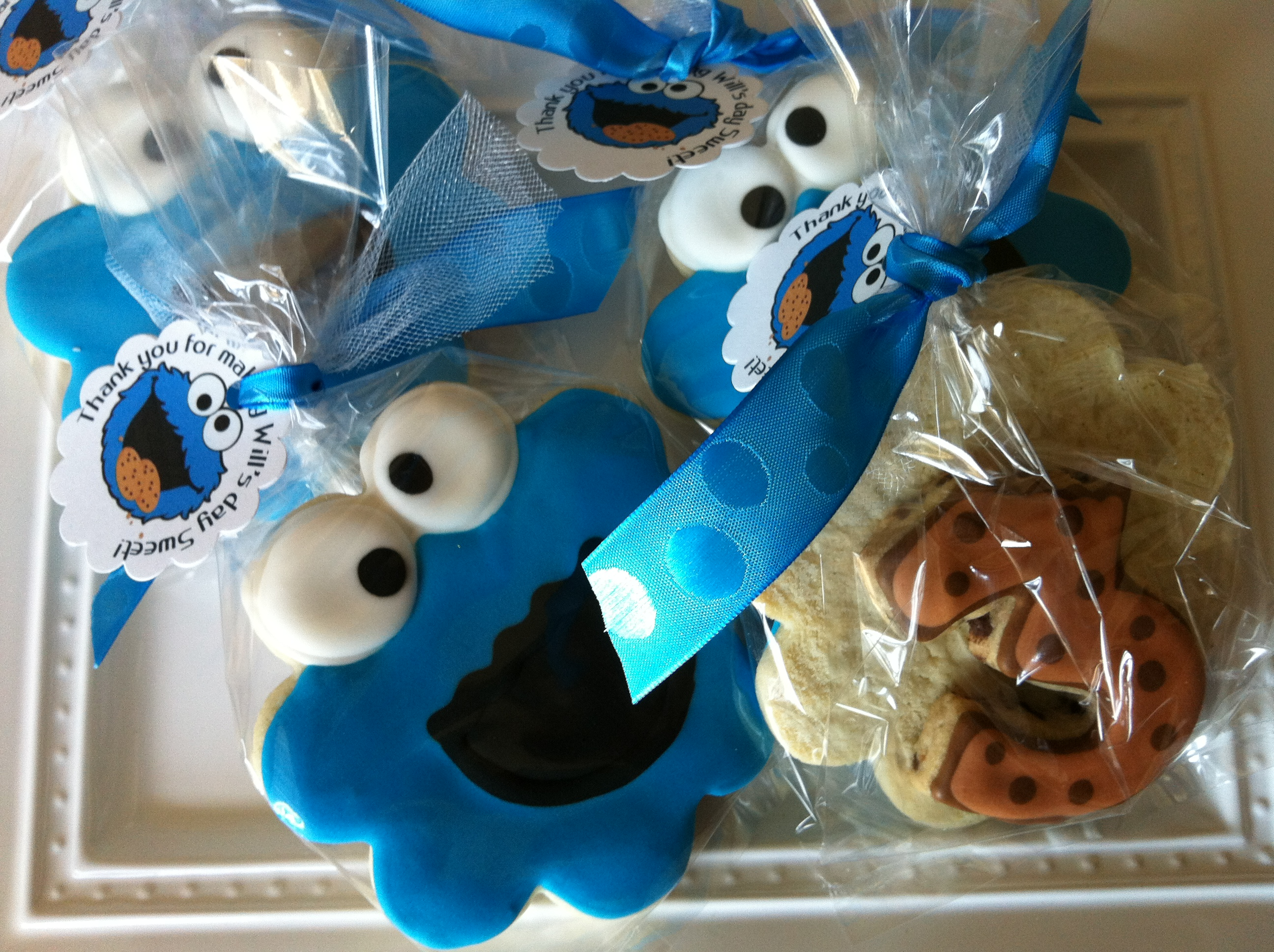 Cookie Monster Party Favors. Email ... : cookie monster paper plates - pezcame.com